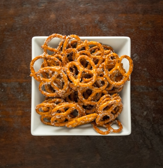 Sweet Roasted Pretzels | www.sweetteasweetie.com