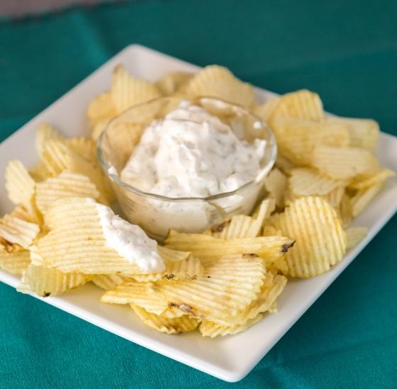 Garlic Dip & Chips | www.sweetteasweetie.com