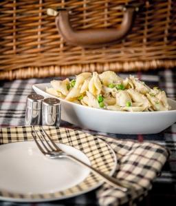 Picnic Tuna Pasta Salad | www.sweetteasweetie.com