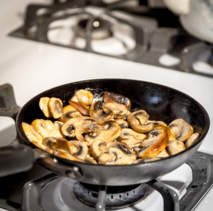 Orange Marinated Steak with Buttered Mushrooms | www.sweetteasweetie.com