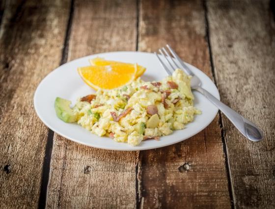 Avocado Scramble | www.sweetteasweetie.com